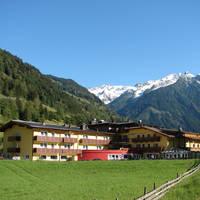 Vooraanzicht hotel