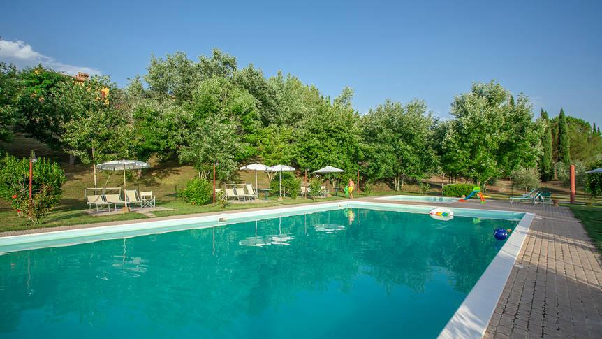 Zwembad 2 Appartementen Tenuta Moriano