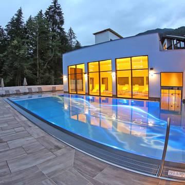 Buitenzwembad Aktivhotel Waldhof