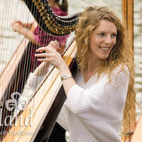 Harp speelster