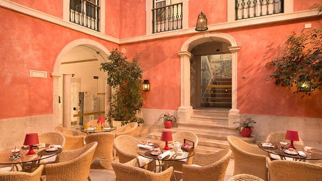 Patio Hotel Real Palacio