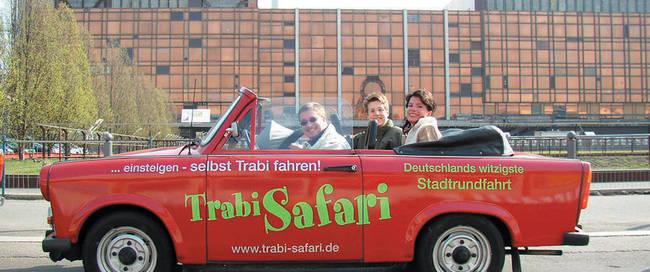 CBS2008003388 Trabi Safari