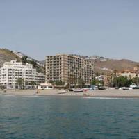 strand en gebouw