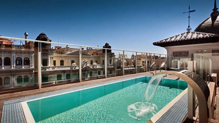 Zwembad Hotel Catalonia Gran Via
