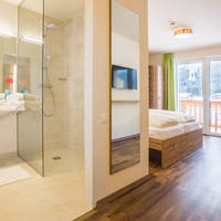 Kamer met badkamer