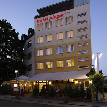 Avondopname Hotel Pinger