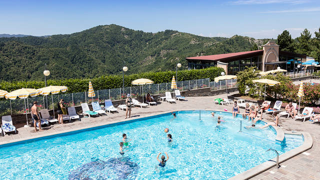 Zwembad12 Appartementen Antico Borgo I Cancelli