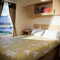 Voorbeeld slaapkamer met 2-persoonsbed type Deluxe