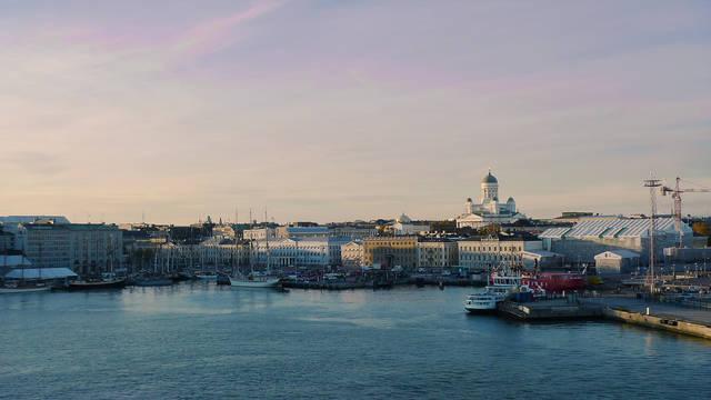 helsinki-marina-and-port-at-dusk Hotel Arthur