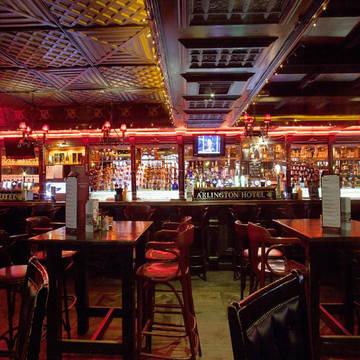 Bar Arlington O'Connell Bridge