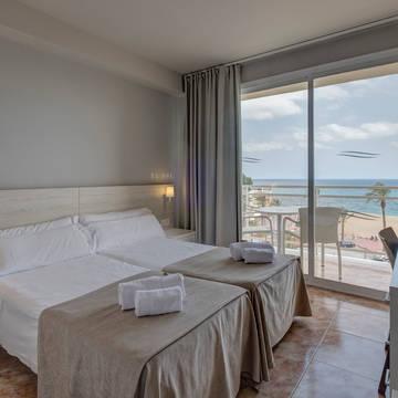 Voorbeeldkamer zeezicht Hotel Rosamar Maritim