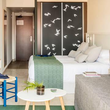 Design kamer 3-of 4-persoons Aqua Hotel Bertran Park - adults recommended