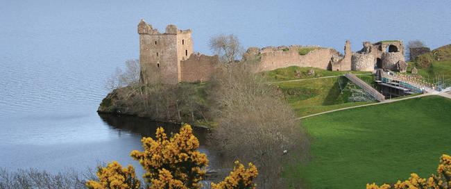 Loch Ness met Urquhart Castle