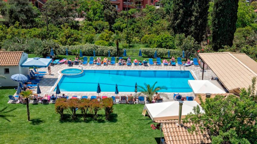 Zwembad Appartementen Irene