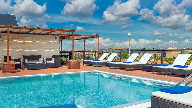 Zwembad Hotel H10 Roma Città