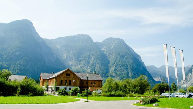 Hoofdgebouw Vakantiepark Dormio Resort Obertraun