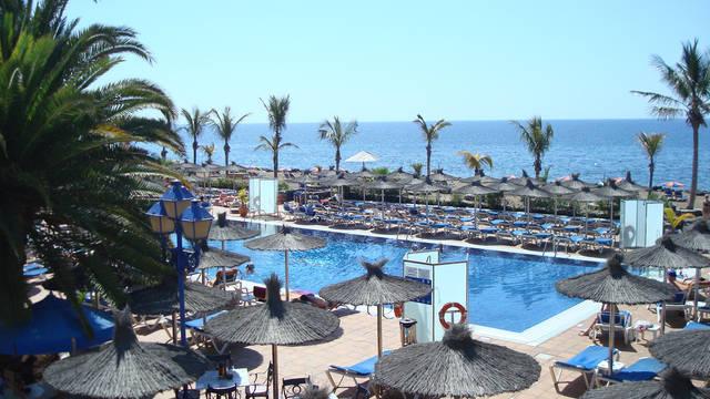 Zwembad VIK Hotel San Antonio