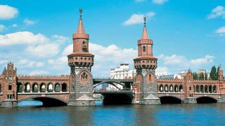 Brug Brandenburg en Berlijn