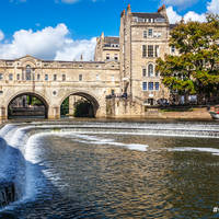 Bath - Pulteney Bridge and Weir