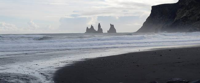 Vik, zwarte stranden