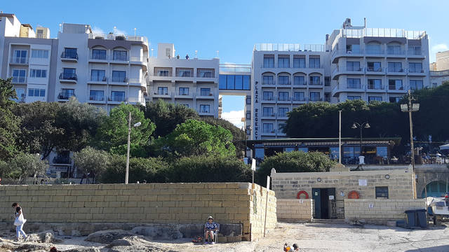 Hotel Plaza Hotel & Suites