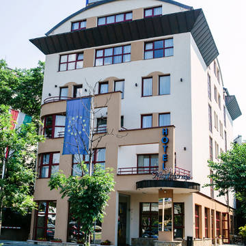 Voorzijde Hotel Mediterran