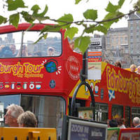 Hop-on Hop-off bus in Edinburgh