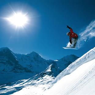 Snowboarder Berner Oberland