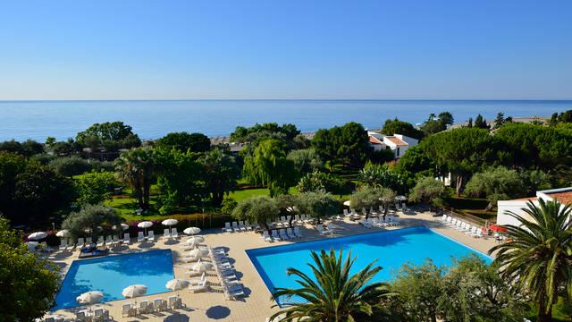 Buitenzwembaden UNAHOTELS Naxos Beach Sicilia