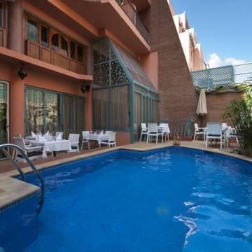 Zwembad Hotel Le Caspien