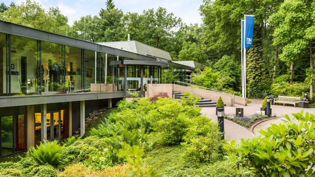 NH Veluwe Sparrenhorst - Buitenaanzicht Hotel NH Veluwe Sparrenhorst