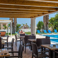 Manolis Apartments - Terras