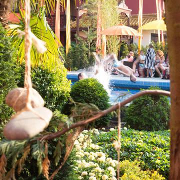 Hotelzwembad Hotel Ling Bao