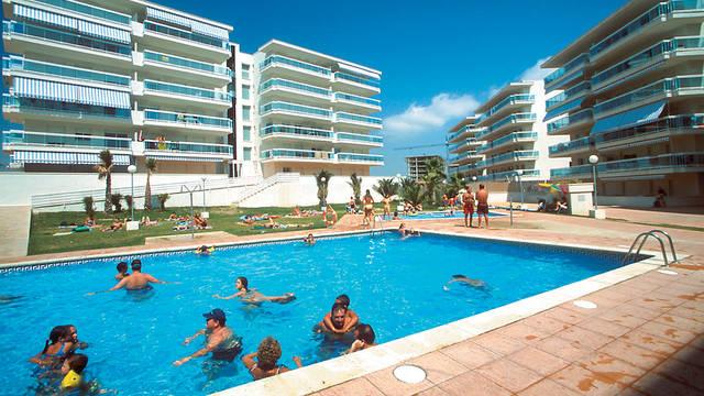 Gebouw met zwembad Appartementen Village Park