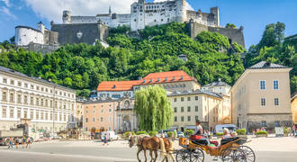 shutterstock_1038459445 Beautiful panoramic view of the historic city of Salzburg