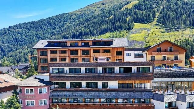 Voorzijde hotel Das Katschberg
