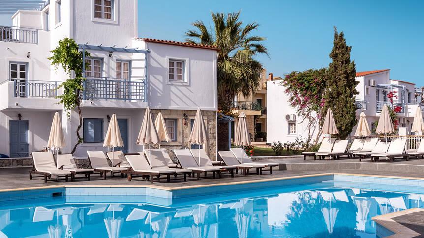Zwembad Hotel Porto Village