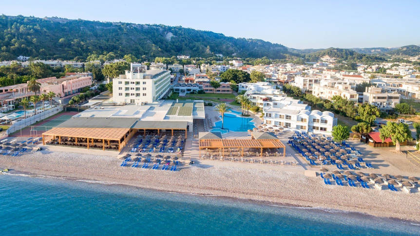 Bovenaanzicht Avra Beach Resort Hotel & Bungalows