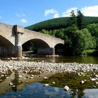 Royal Deeside, Ballater - brug over de Dee rivier