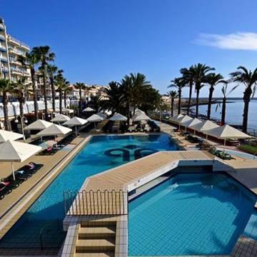 Zwembad Qawra Palace Hotel