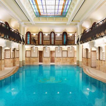 Zwembad Corinthia Hotel Budapest