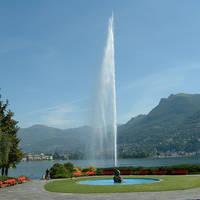 Fontein bij meer in Lugano