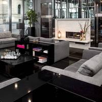 Trendy hotel met een gunstige ligging nabij het hauptbahnhof. geniet van een drankje in de sky bar met ...