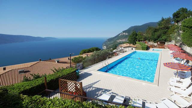 Zwembad Residence La Rotonda