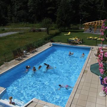 Buiten zwembad Appartementen Kurcamping Erlengrund