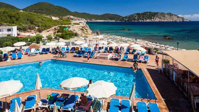 Zwembad Invisa Figueral Resort