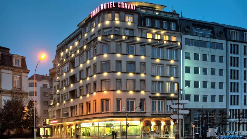 Buitenaanzicht Grand Hotel Cravat