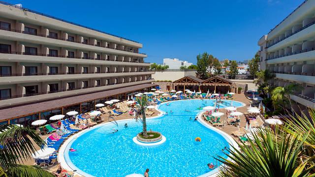 Zwembad Hotel GF Fanabe