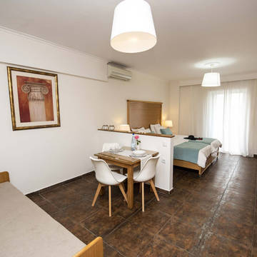 Kamer Peridis Family Resort