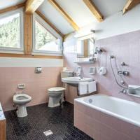 Voorbeeld badkamer Mansarde kamer
